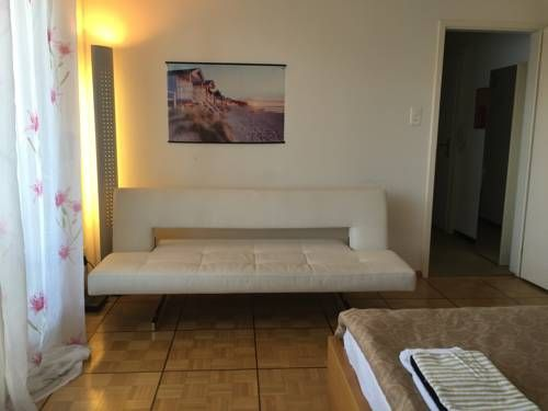 Center Basel Basel Located 600 metres from Architectural Museum in Basel, this apartment features free WiFi. Guests benefit from terrace.  The kitchen comes with a dishwasher. Towels and bed linen are featured in this apartment.