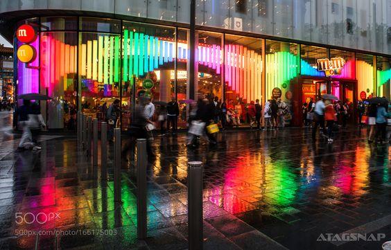 London in the rain by taragordon. @go4fotos