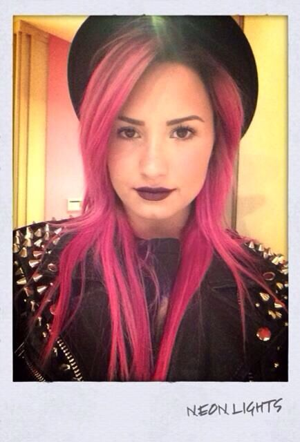 Demi Lovato's hot pink Neon Lights Tour hair