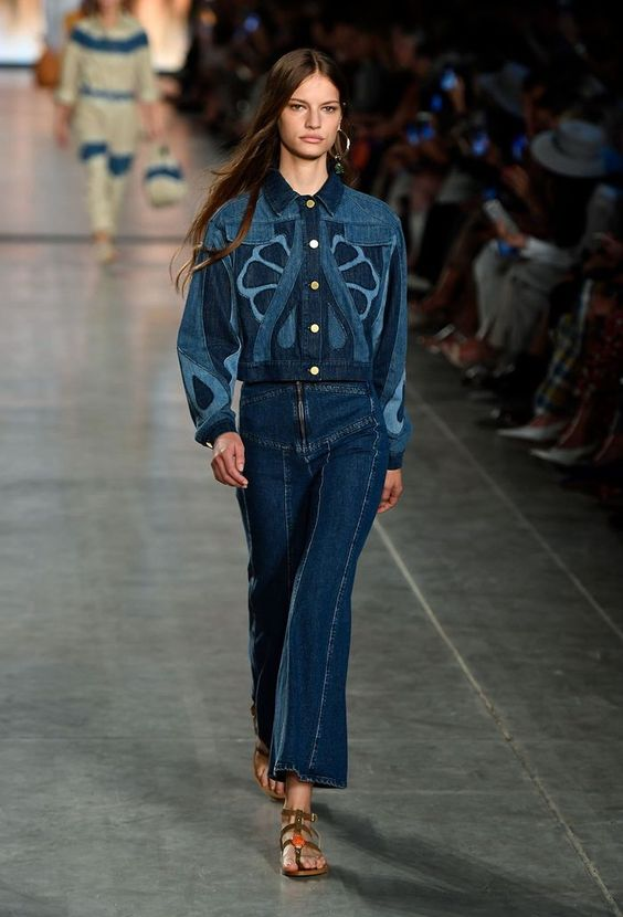 This Anti–Skinny Jean Trend Is Coming Back With a Vengeance in 2020