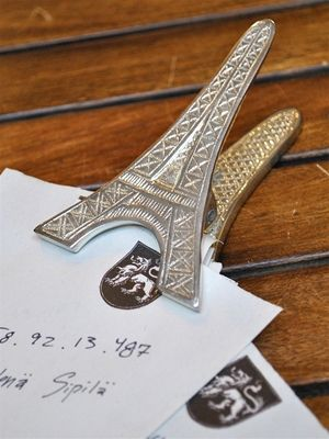 eiffel tower clip at posh