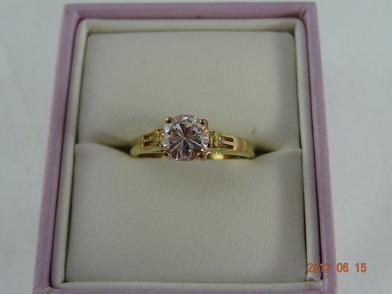 Gold Pre Loved 18ct Solid Yellow Gold 1.10ct Zircon Ring 2.5grms (eBay item 330749199520 end time 22-Jun-12 19:20:44 AEST) : Jewellery Watches