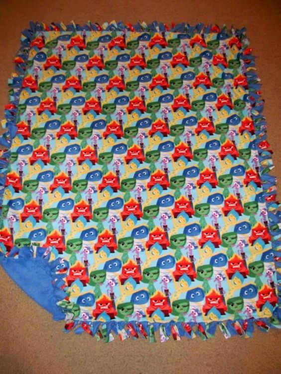 Disney Inside Out Emotions Packed w/ Mare Blue back Fleece Tie Blanket