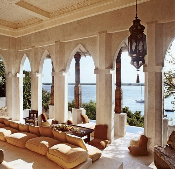 Lovely moroccan living area with antique lanterns and - Moroccan living room ideas pinterest ...