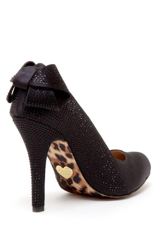 Betsey Johnson <3 I love a heel detail!
