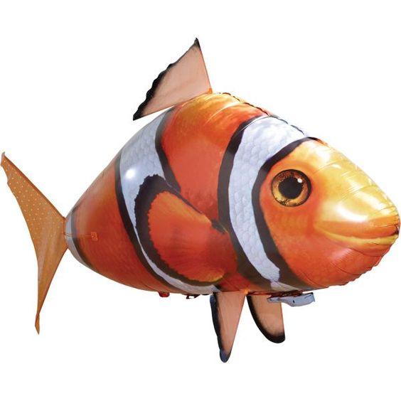 Nemo télécommandé nageant dans lea airs