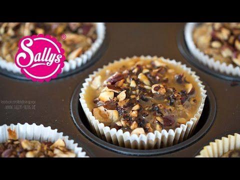 Birnen-Haselnuss-Muffins mit Karamellsoße / sehr saftig und lecker - YouTube