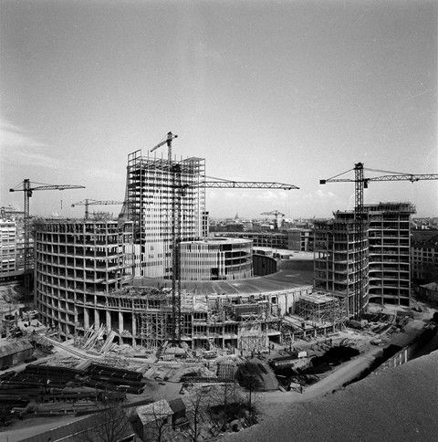 195... chantier de la Maison de Radio France Paris