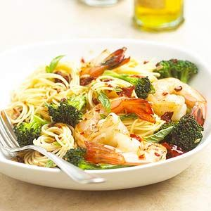 Shellfish is always a popular  combination in a pasta recipe which includes sun-dried tomatoes, olive oil, and garlic. Add broccoli florets to round out this quick-and-easy meal.