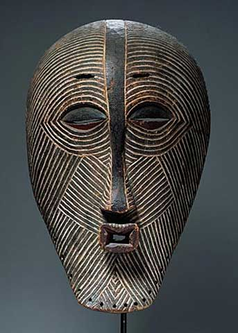 Luba Kifwebe mask. See too the following site for additional African mask images and information: http://www.zyama.com/index.htm: