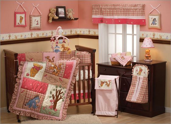 Chambre De Fille En Rose Et Blanc : Chambre Bébé Fille Winnie  Fell in love with this winnie the pooh