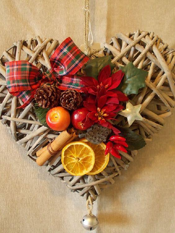 Christma ghirland idea regalo ghirlanda di natale da - Cuore da appendere alla porta ...