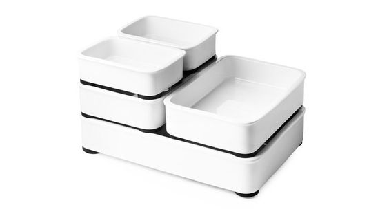 Stackable oven dishes - this is kind of genius.
