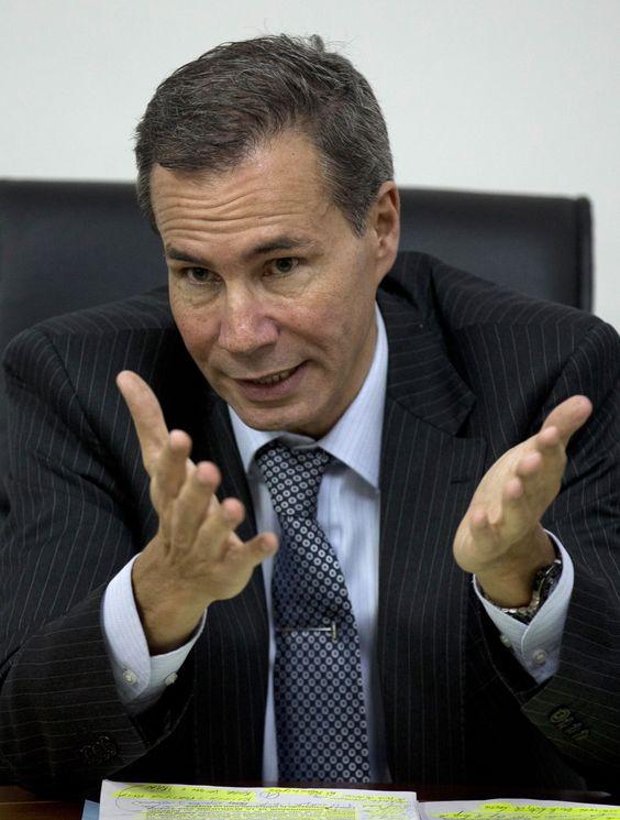 Caso Nisman: Justiça argentina divulga íntegra de denúncia contra Cristina Kirchner (Foto: Photo/Natacha Pisarenko) - http://epoca.globo.com/tempo/filtro/noticia/2015/01/caso-nisman-justica-argentina-divulga-bintegra-de-denuncia-contra-cristina-kirchnerb.html