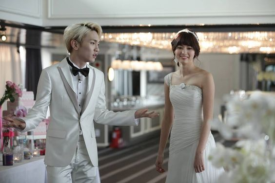 Shinee/Toheart: Key & Arisa special wedding <3  WGM