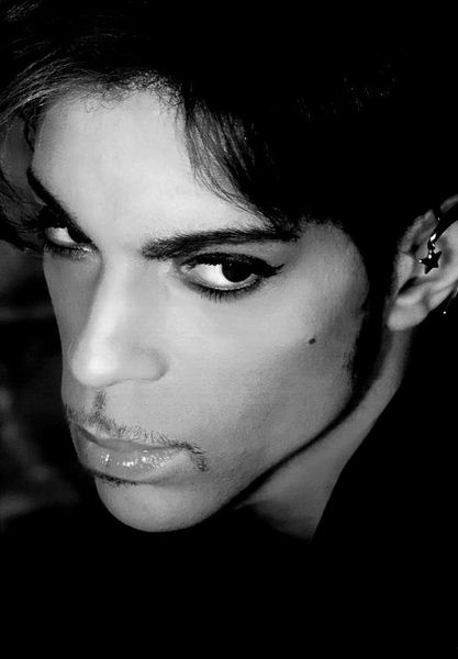 Prince ♥ i heard a reporter once say that he was so beautiful in person that he was mezmerized