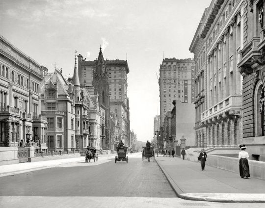 The Streets Of New York City In 1908 by unknown