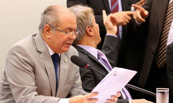 O EMPENHO: Vice-presidente da CPI do Carf diz que deputado te...