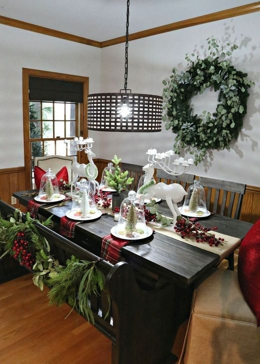 Eye Catching Kitchen Table Christmas Decoration Ideas 41