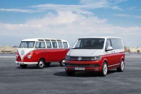 Nouveau Volkswagen Multivan T6 aux c$otés du Kombi