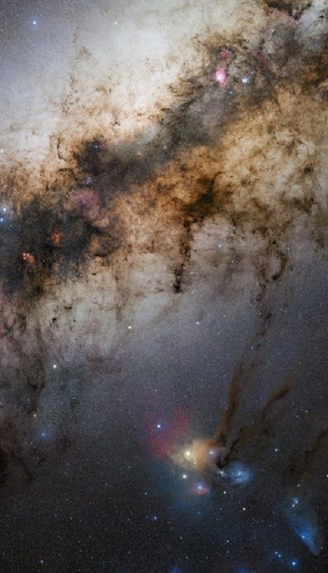"""The second of three images of GigaGalaxy Zoom project is a new and wonderful view, at 340 million pixels, the center of our galactic home, a 34 by 20 degrees amplitude gives us a view like that """"experience"""" the amateur astronomers around the world. This second photograph was taken by Stéphane Guisard, ESO engineer and world-renowned astrophotographer, from Cerro Paranal, location of ESO Very Large Telescope and one of the best places in the world in terms of quality of the sky."""