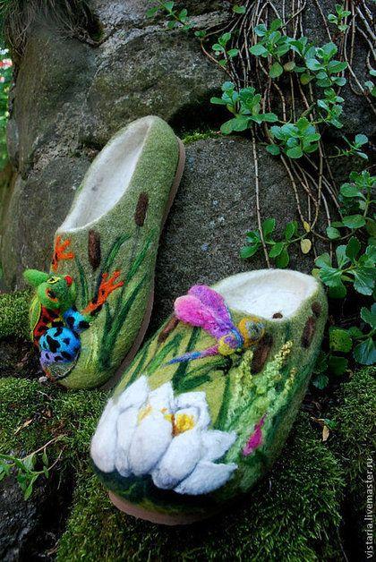 Обувь ручной работы. Ярмарка Мастеров - ручная работа. Купить Тапочки 39 «Лягушка в камышах». Handmade. Оливковый, шерсть 100%