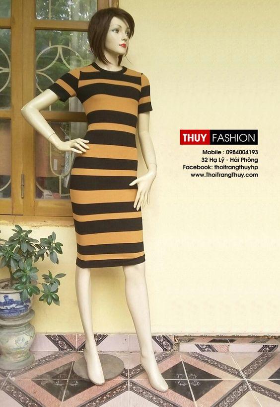 Váy body được thiết kế với dáng váy bút chì với chất vải thun kẻ ngang co giãn. Rất phù hợp các bạn gái mặc dạo phố hoặc các buổi tiệc nhẹ nhàng