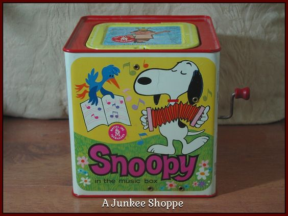 PEANUTS 1966 Snoopy In The Music Box Type Jack In The Box Kids Amusement Toy Junk 972  http://ajunkeeshoppe.blogspot.com/