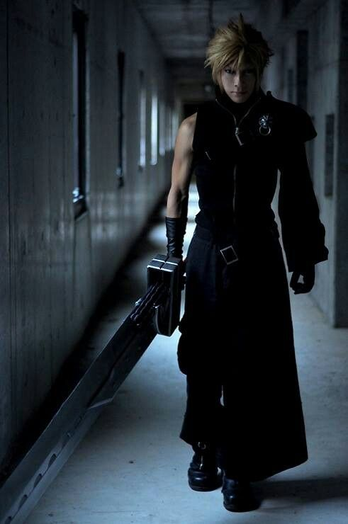 Cloud Strife from Final Fantasy - how is this NOT computer generated? Amazing.