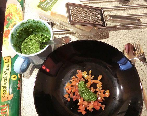 Basilikum-Pesto (Rezept mit Bild) von Petra Regina | Chefkoch.de