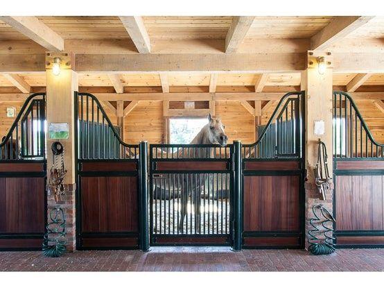 écurie cheval, barns, stables horse