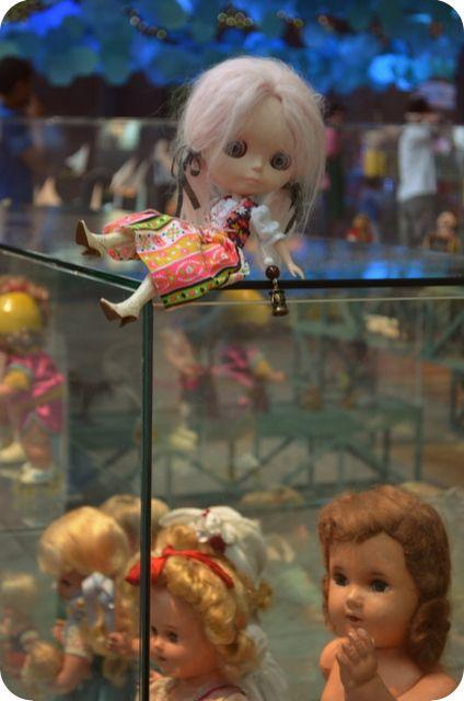 Boneca Blythe Lili visita a Exposição Mais de Mil Brinquedos para a Criança Brasileira