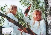 Madita & Pim und Anstrid Lindgren Zitate: - Man kann in Kinder nichts hineinprügeln, aber vieles herausstreichen. - Geschmäcker sind verschieden, sagte der kleine Mann - und zog sein Hemd verkehrt rum an. - Siehst du wohl? So kann es gehen!
