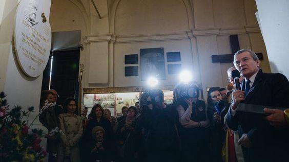 Stolica: minister kultury odsłonił tablicę upamiętniającą Chełmońskiego http://www.pinakoteka.zascianek.pl/Chelmonski/Index.htm   135 obrazow Jozefa Chelmonskiego.: