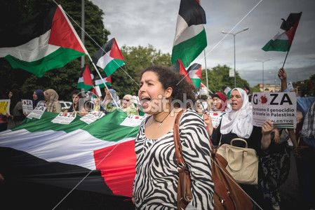 Pro palestine manifestation in milan on july, 26 2014 — Photo