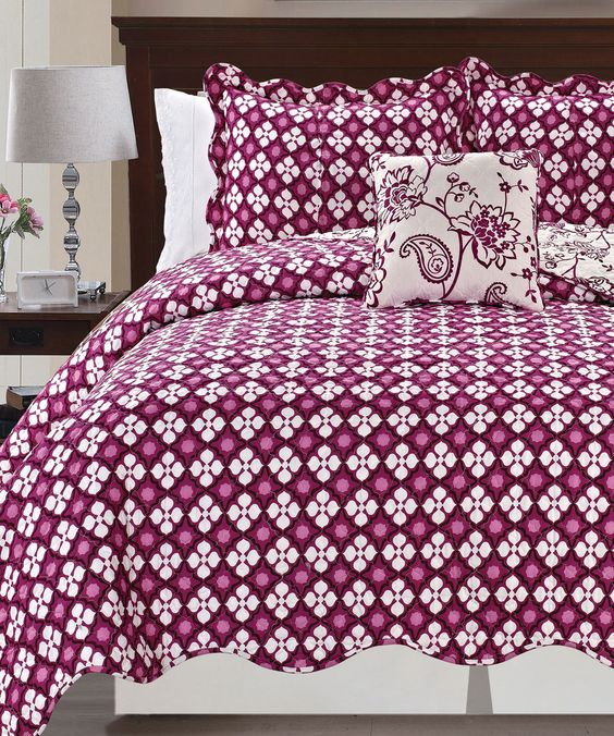 Paisley Flowers 4 Piece Reversible Quilted Coverlet Bedspread Set