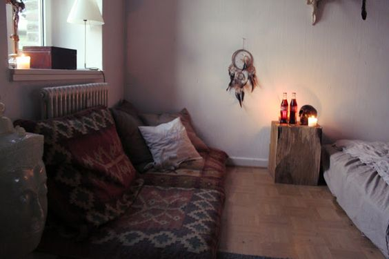 Moon to Moon: Create a Bohemian Bedroom, part 2 .... The details ...