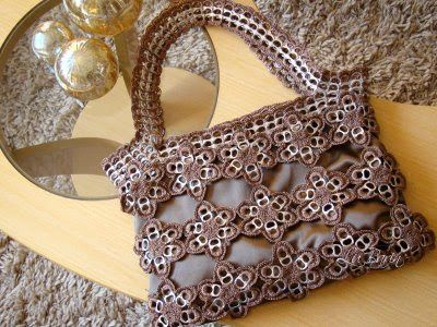Luluzinha: bolsa de florzinhas de lacres