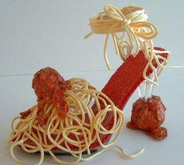 Sapatos de espaguete?  Certo, mmmmm ficando com fome apenas olhando essas belezas