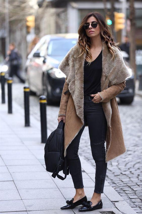 Barbara Bui Coat | Zara Moto jeans | Prada loefers | Chanel Backpack | Dior So Real Sunglasses. Vogue.com.tr – Moda Tutkusu