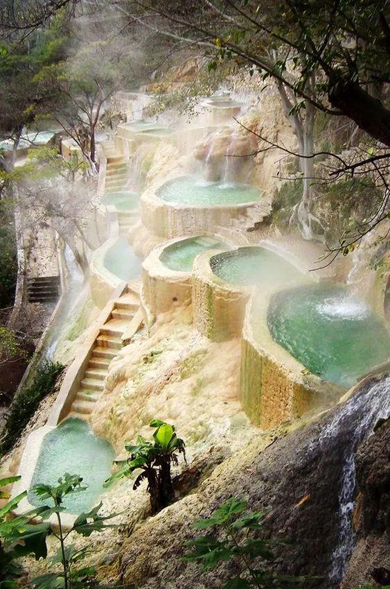 Las grutas de Tolantongo: pozas y aguas termales en Hidalgo
