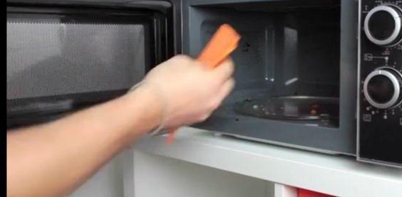 Mit diesem Trick wird deine Mikrowelle in einer Minute sauber. Ohne etwas dafür tun zu müssen.