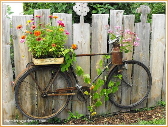 Gardens planters and trellis on pinterest for Garden fence artwork
