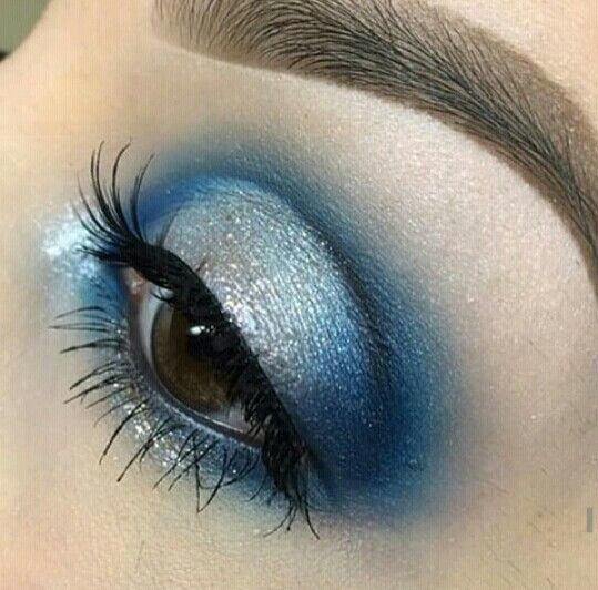 Gorgeous use of Blue eye shadows