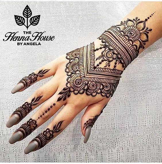 Pin By Ghinwa Arbid On Mehndi Designs In 2020 Henna Designs Hand Henna Designs Henna Tattoo Hand