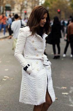 Beautiful white coat: White Coats, Style Inspiration, Street Style, Winter White, Christine Centenera, Coats Jackets, Trenchcoat