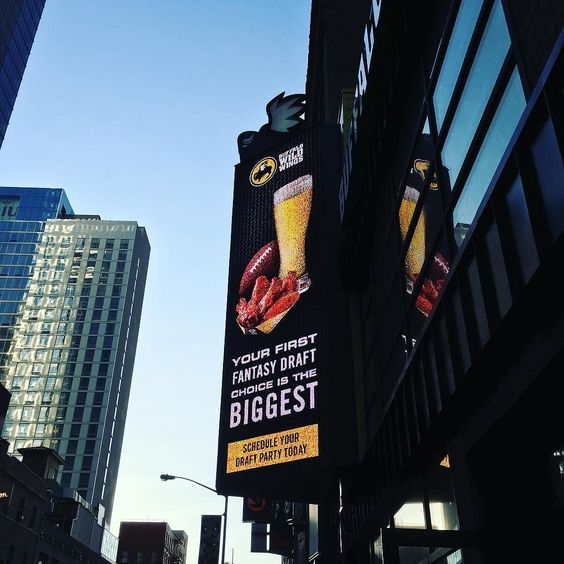 Time Square BWW....for my Buffalo Wild Wings family  by patrickgall76 Repin & Like. Thank you . Listen to Noel songs. Noelito Flow.