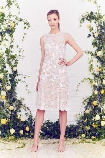 Vestidos para boda civil: fotos diseños 2016 - Vestido de encaje corto Jenny Packham