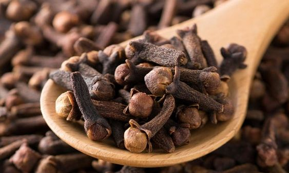 Pin By Health Benefits On نباتات واعشاب علاجية Food Herbs Tableware