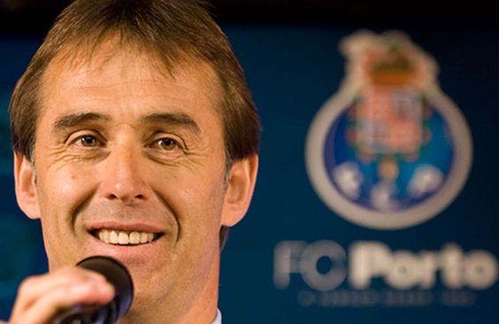 """""""Estamos encantados con Casillas"""", afirma Lopetegui - El español Julen Lopetegui, entrenador del Oporto, aseguró que están encantados con su flamante fichaje, el meta español Íker Casillas, y señal�..."""